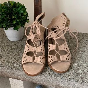 Mossimo lace up heeled sandals EUC!